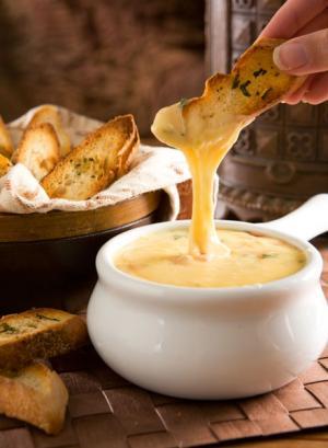 Peynir Fondü Tarifi & Yapılışı [Cheese Fondue ...